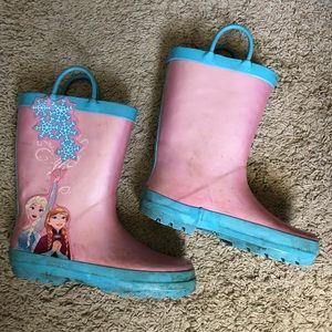 Frozen Rainboots